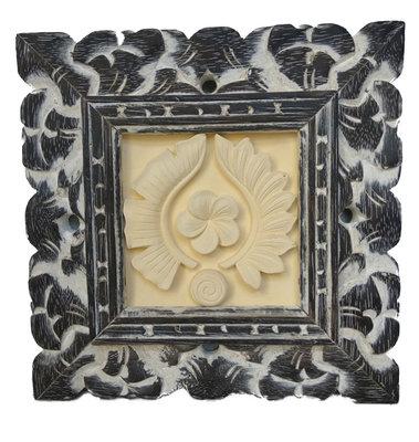 Schilderijtje van gips met sierlijst (kambodja)