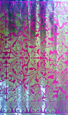 Balinese stof per meter ~ rose/fuchsia (kain prada)