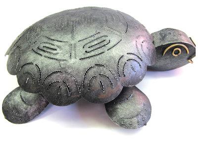 Schildpad van metaal