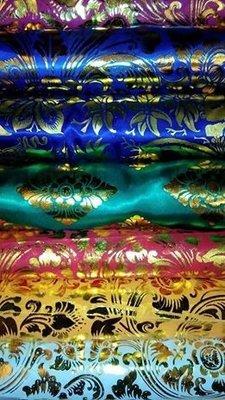 Balinese stof per meter ~ groen(kain prada)