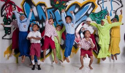 1 maand schoolgeld voor een kind in Indonesie