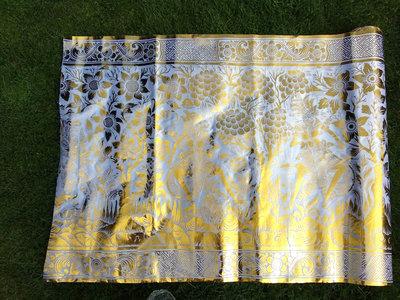 Balinese stof per meter ~ wit ~ voorstelling (kain prada)