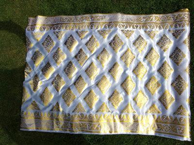 Balinese stof per meter ~ wit (kain prada)